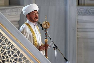 Поздравление председателя ДУМ РФ и СМР муфтия шейха Равиля Гайнутдина по случаю рождества Пророка Мухаммада