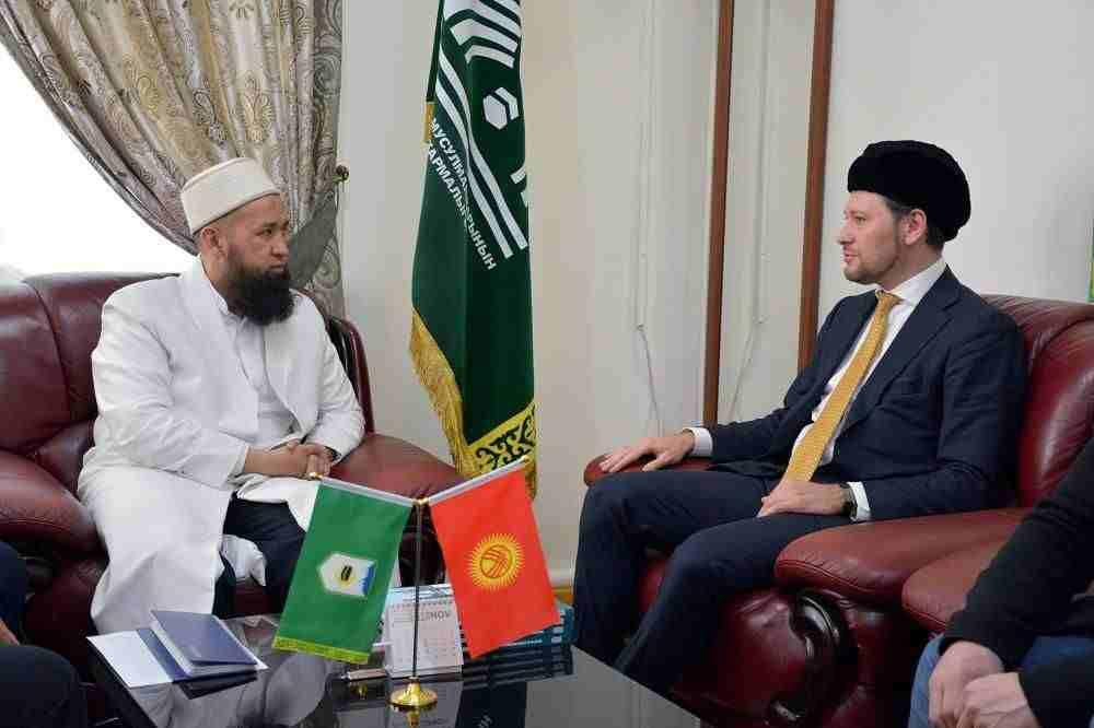 Дамир Мухетдинов и муфтий Кыргызстана Максатбек ажы Токтомушев обсудили создание Исламской академии в республике